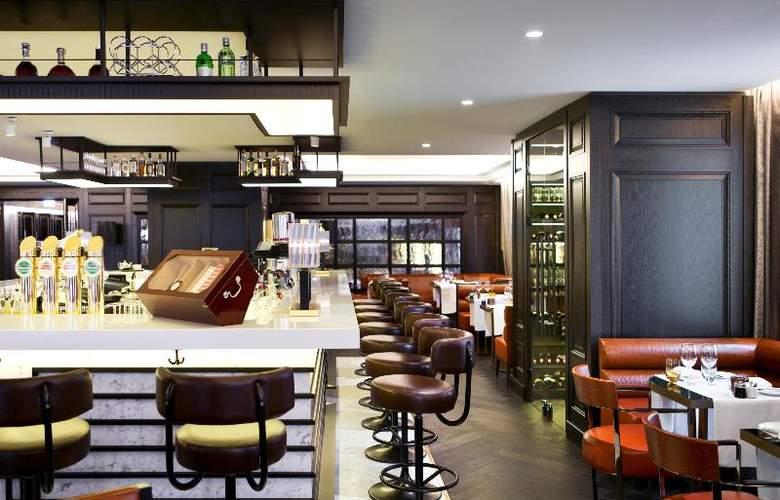 Hilton Vienna Plaza - Bar - 11