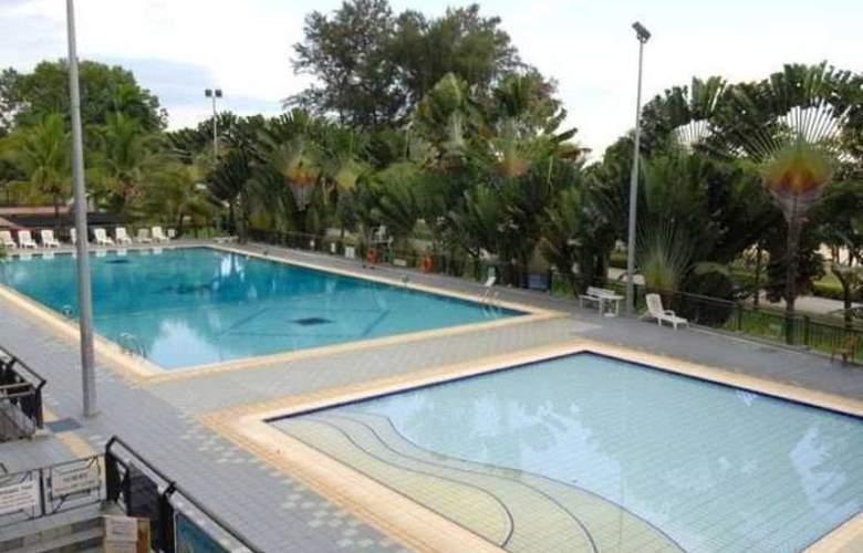 Breezee Room at Resort - Pool - 3
