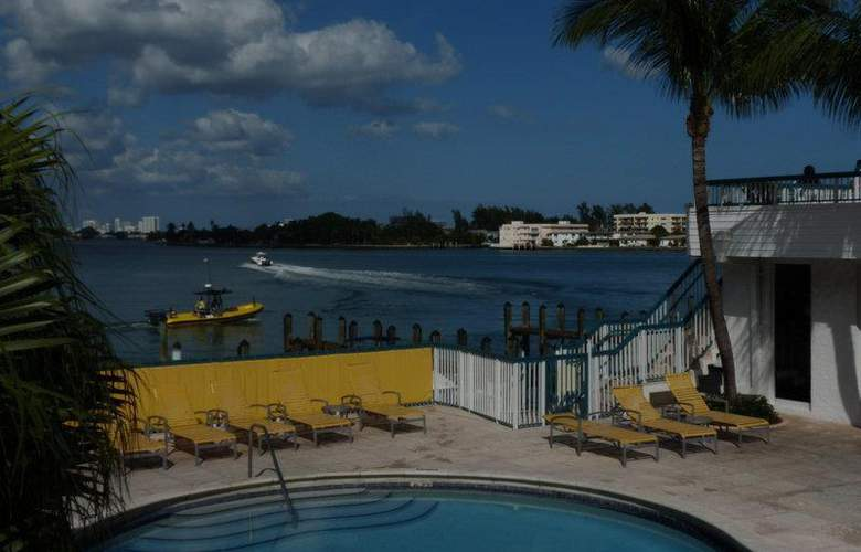Best Western Plus On The Bay Inn & Marina - Pool - 72