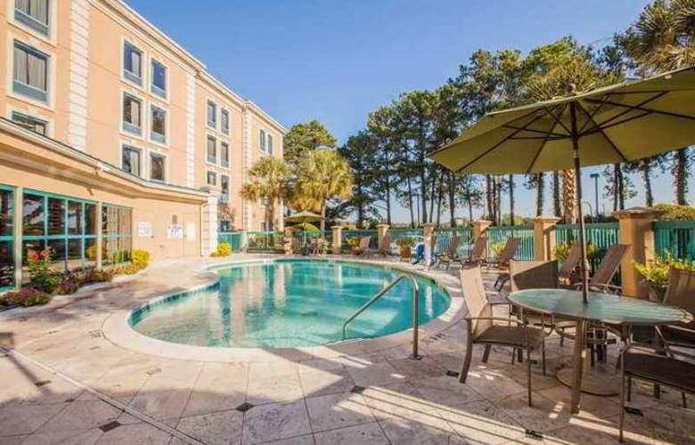 Hampton Inn Charleston-North - Hotel - 2