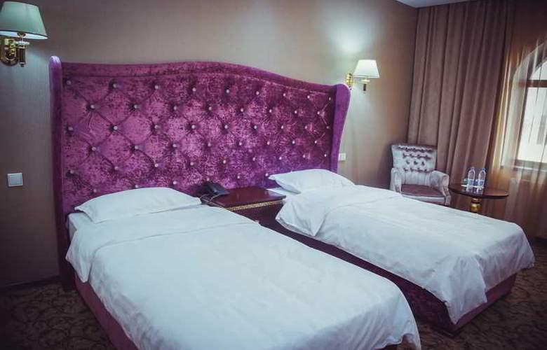 Emir Han - Room - 4
