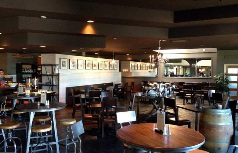 Four Points by Sheraton Anaheim - Restaurant - 4