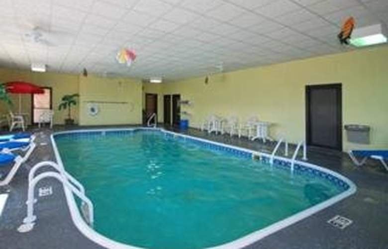 Comfort Inn Alton - Pool - 4