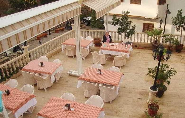 Reutlingen Hof Hotel - Terrace - 9