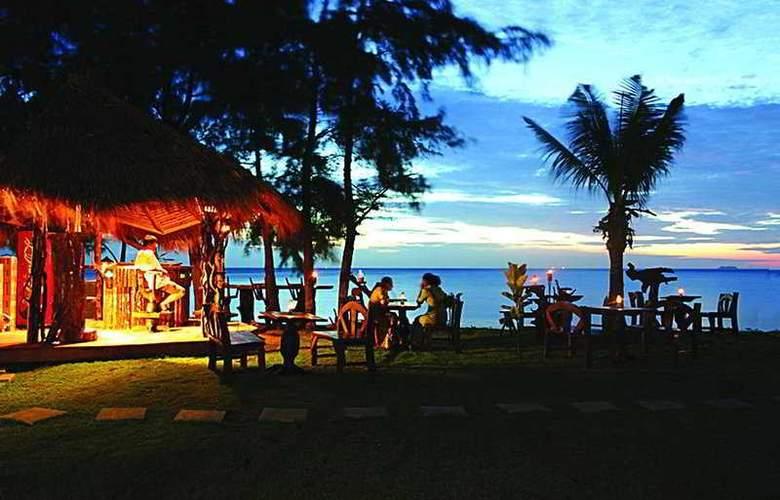 Lanta Casuarina Beach Resort - Bar - 8