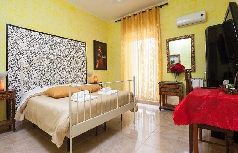 Sicilia Suite Bed And Breakfast - Room - 12