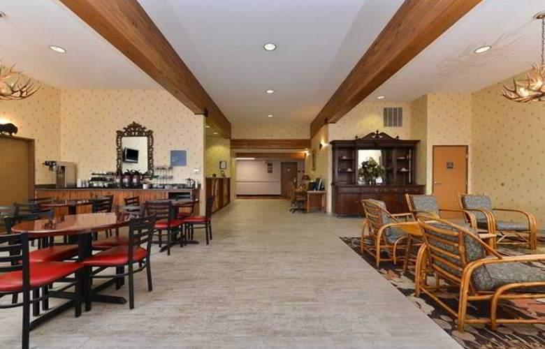 Comfort Inn at Buffalo Bill Village Resort - Restaurant - 10