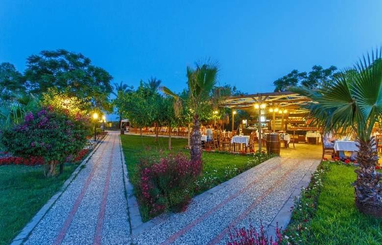 Novia Lucida Beach Hotel - Hotel - 12