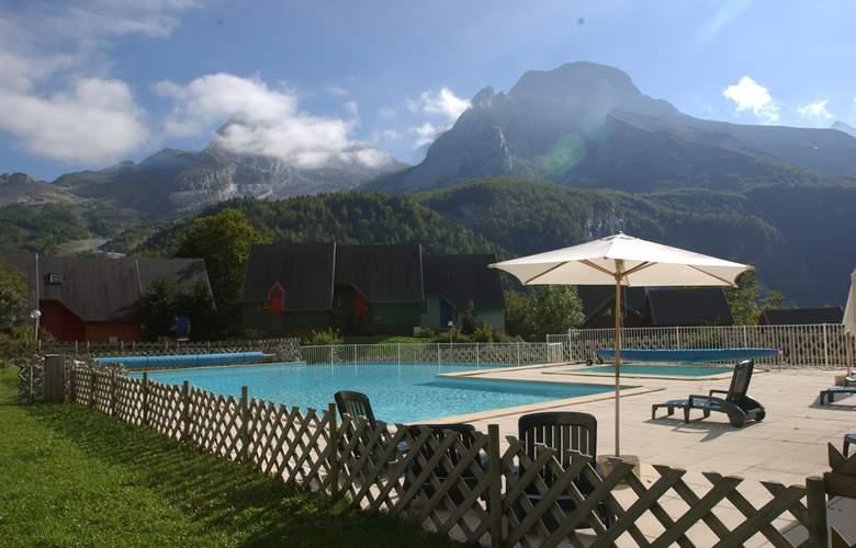 Résidence Les Chalets de l'Ossau - Pool - 2