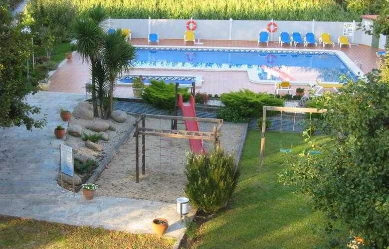 Cabo Festiñanza - Hotel - 0
