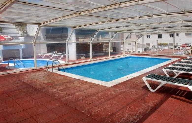 Maria del Mar - Pool - 8