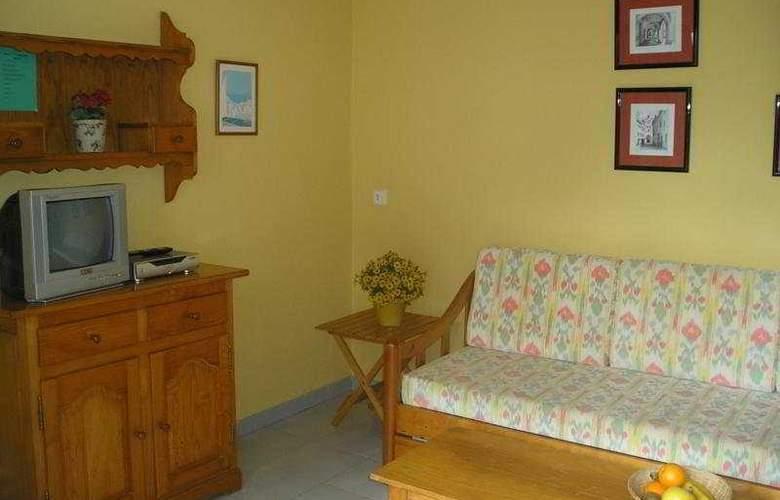 Las Brisas I & II - Room - 6