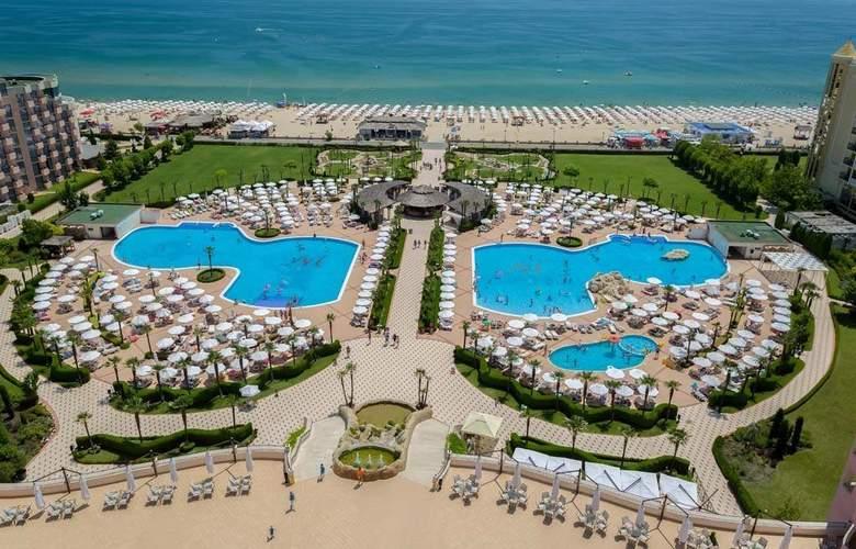 Majestic Beach Resort - Pool - 14