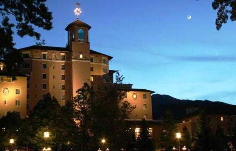 The Broadmoor Hotel - Hotel - 8