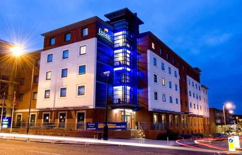 Holiday Inn Express Stevenage - General - 3
