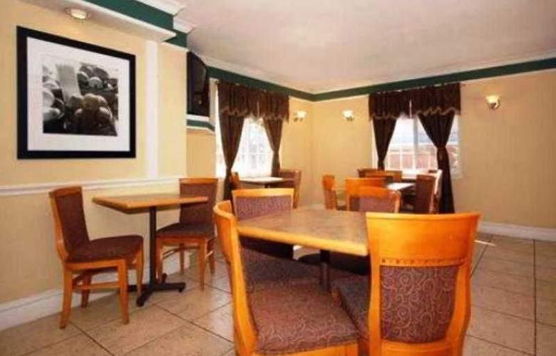 Quality Inn Denver East - Restaurant - 4