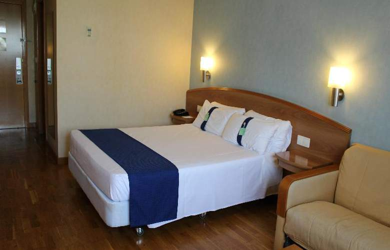 Port Alicante - Room - 9