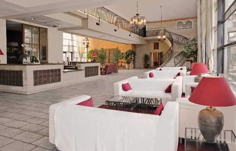 Avignon Grand Hotel - Hotel - 1
