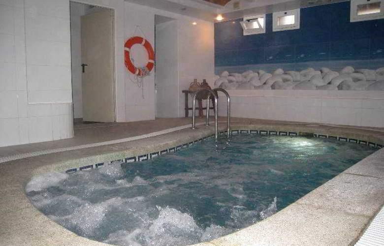Hermes - Pool - 19