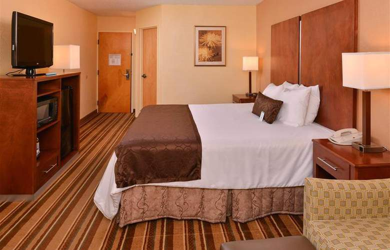 Best Western Plus Richmond Airport Hotel - Room - 98