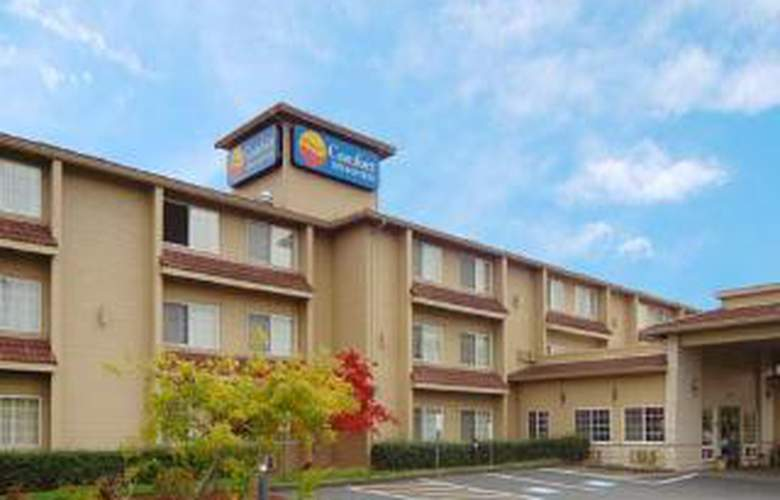 Comfort Inn & Suites-Columbia Gorge West - Hotel - 0