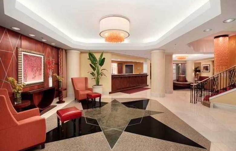 Hilton Arlington - Hotel - 1