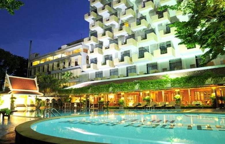 Golden Beach Pattaya - Pool - 7