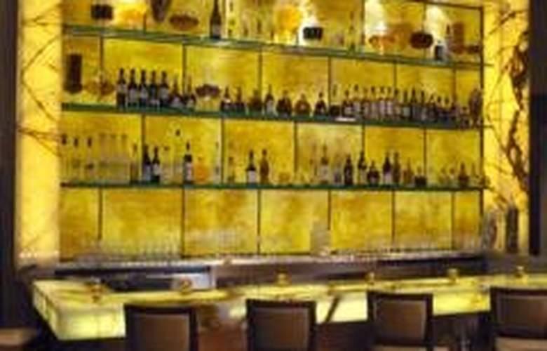 Red Rock Resort - Bar - 6