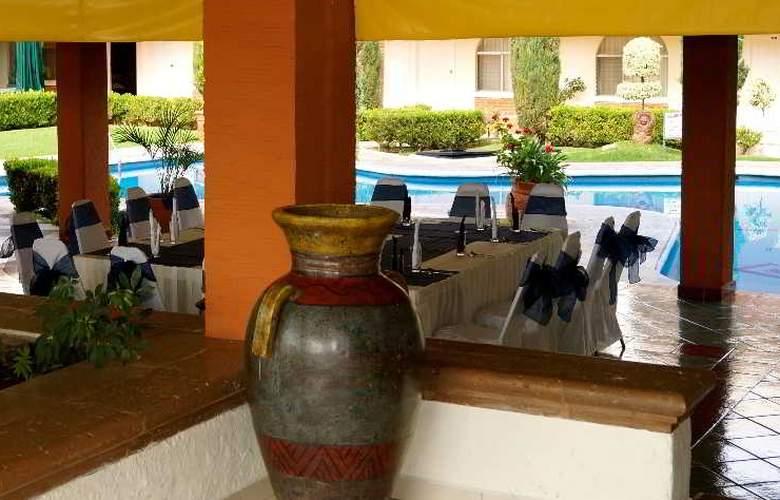 Villa del Sol and Suites - Hotel - 15