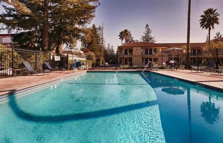 Best Western Inn - Pool - 10