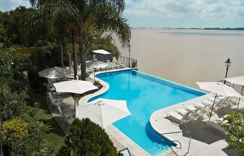 Radisson Colonia del Sacramento Hotel & Casino - Pool - 39