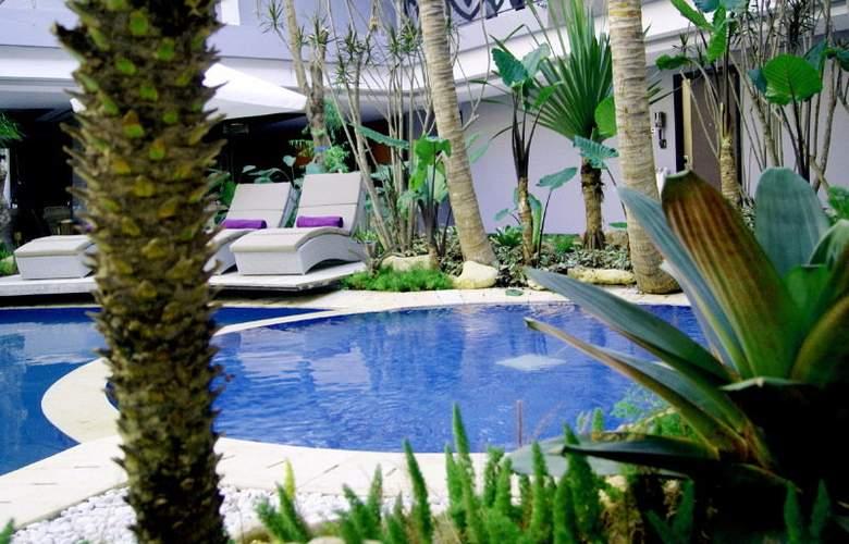 Amaroossa Suite Bali - Hotel - 4