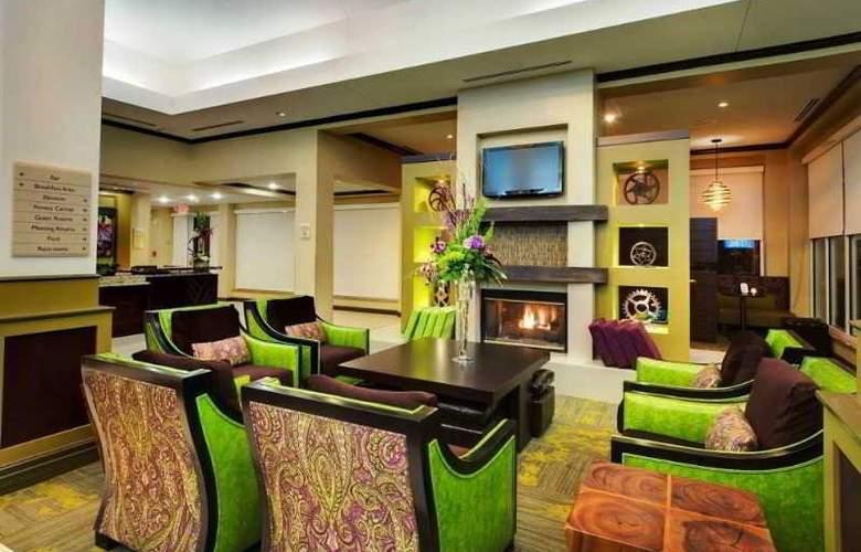 Hilton Garden Inn Airport - General - 12
