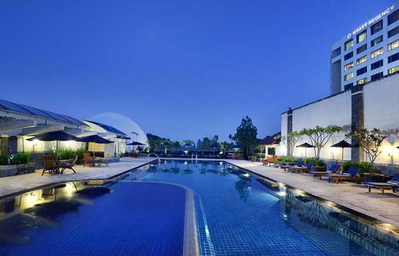Hyatt Regency Bandung - Pool - 16