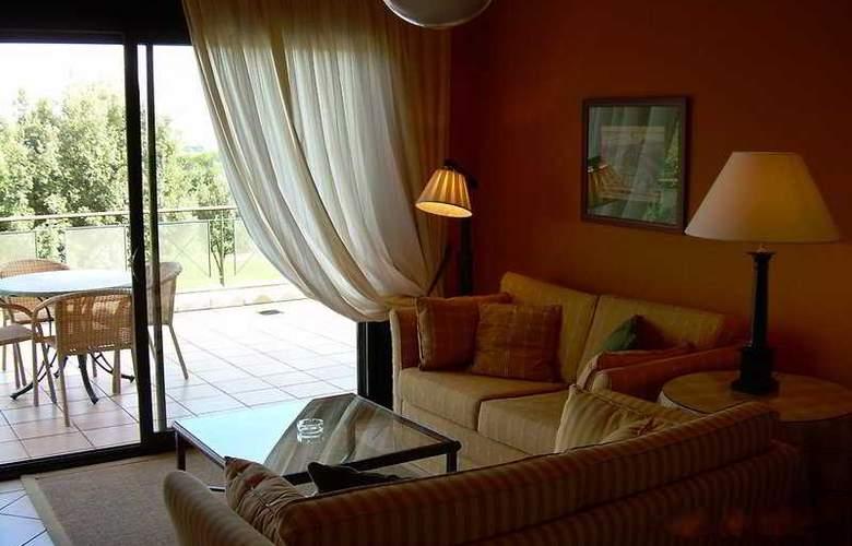 Suites Vila Birdie - TorreMirona - Room - 6