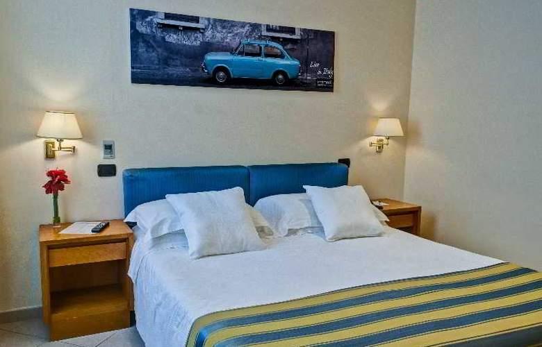 Crosti Hotel & Residence - Room - 2