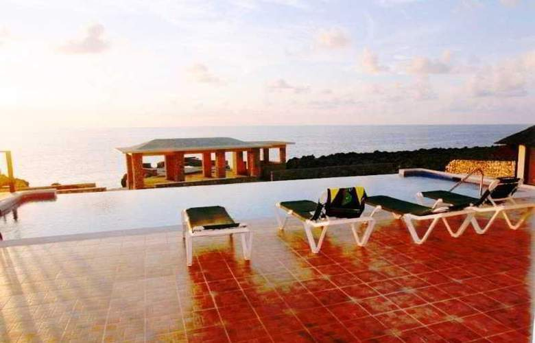 Le Mirage Resort - Pool - 1