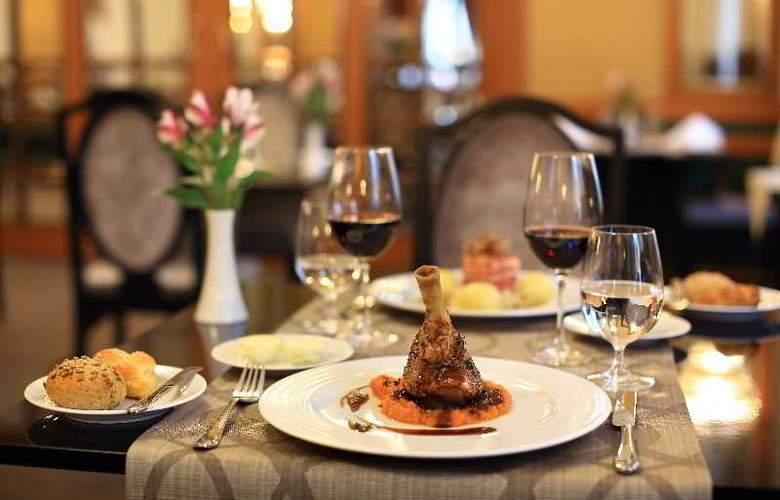 Grand Hotel Bohemia - Restaurant - 17