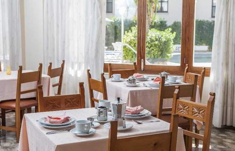 Hostal Casa Bauza - Restaurant - 13