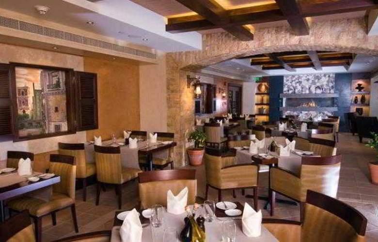 Crowne Plaza Hotel Abu Dhabi - Restaurant - 18