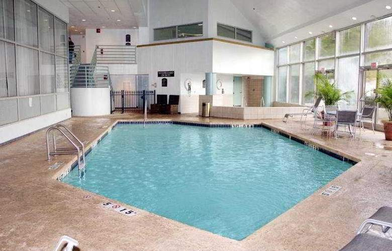 Holiday Inn Select Memphis East - Pool - 6