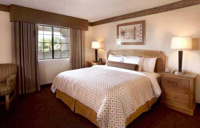 Embassy Suites Phoenix North - Hotel - 9