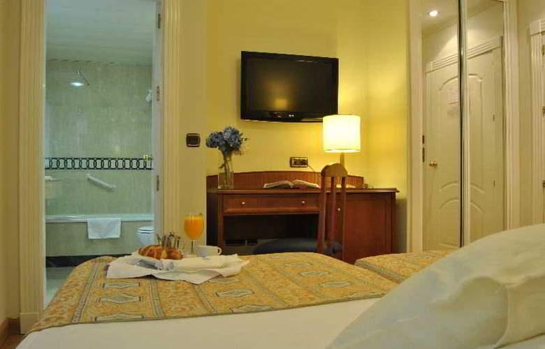 Corona de Granada - Room - 15