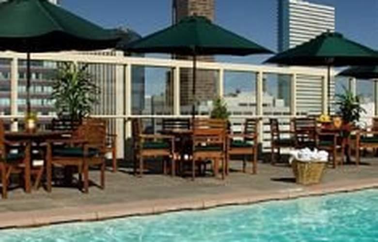 Warwick Hotel Denver - Pool - 4