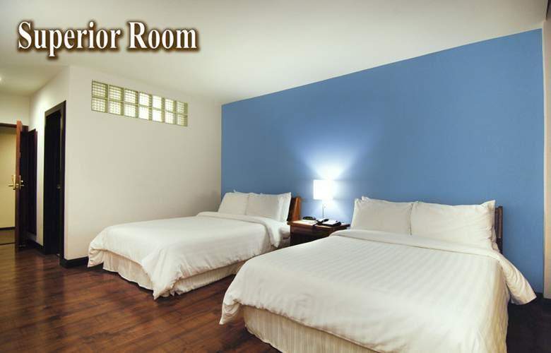Balmoral - Room - 4