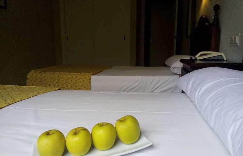 San Pablo - Room - 12