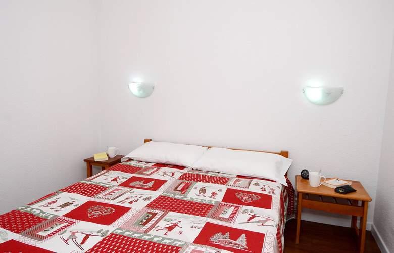 Odalys Le Cervin - Room - 2