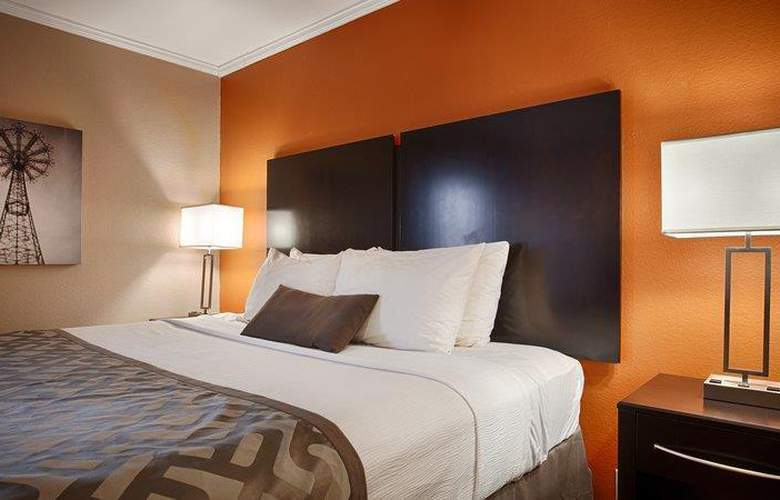 Best Western Plus Lubbock Windsor Inn - Room - 25