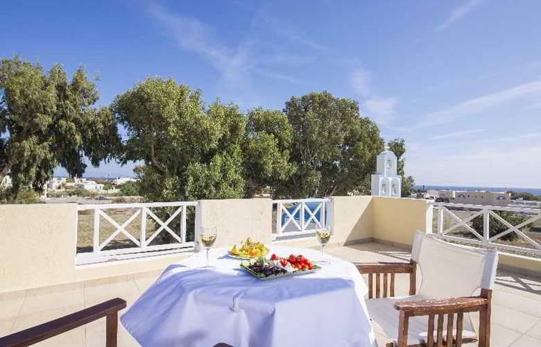 Bella Santorini - Terrace - 17