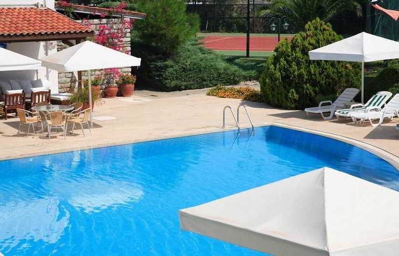Princess Artemisia Hotel - Pool - 21